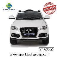子供向けの人気のある車AUDI Q5の乗車許可車(ST-A00Q5)